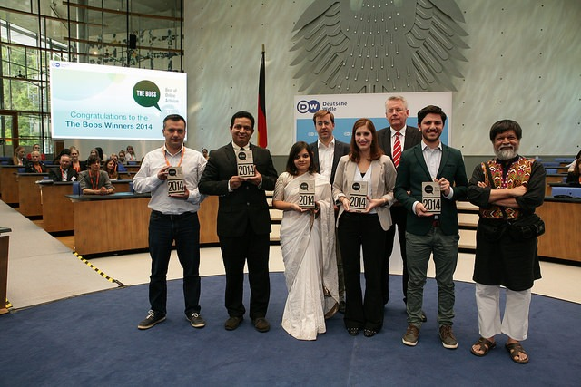 Poorvi Bhargava from Khabar Lahariya (Third from left) receives the Global Media Forum Award at The Bobs awards ceremony in Germany. Courtesy: Deutsche Welle